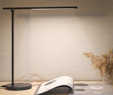 Niila LED desk lamp